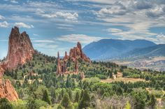 https://flic.kr/p/df62Ag | Garden of the Gods, Colorado Springs | A public park in Colorado Springs that we visited on our way to Pikes Peak. It has some amazing geological formations.  Nikon D5000 @ ISO 320. Tamron 17-50mm at 32mm, f/11 for 1/400s. 3 images tonemapped with Photomatix. Press 'L' for large. Thanks for looking!