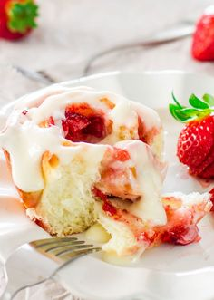 Strawberry Rolls with Creme Cheese Icing – Dan330