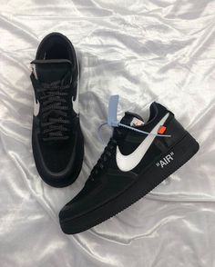"""official photos 89d6d d0273 The Nike """"The Ten"""" Off White Air Force 1 Low in Black is available"""
