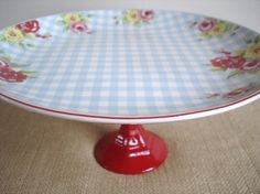 love this cake plate stand!!