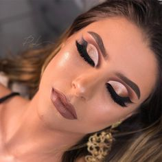 Glam Makeup Look, Sexy Makeup, Bride Makeup, Kiss Makeup, Eyebrow Makeup, Love Makeup, Makeup Inspo, Makeup Eyeshadow, Wedding Makeup