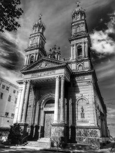 Basílica Catedral de Nuestra Señora del Rosario Ciudad de Rosario - Argentina Big Ben, Monochrome, Building, Travel, Rosaries, Cities, Argentina, Scenery, Viajes