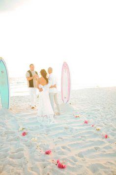 Surfboard altar, anyone? {The Frosted Petticoat: Sun, Sand, & Surf(boards)} Surf Wedding, Sports Wedding, Beach Wedding Reception, Beach Ceremony, Wedding Ceremony Decorations, Wedding Ideas, Wedding Inspiration, Bali Wedding, Dream Wedding