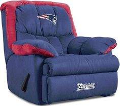 New England Patriots Home Team Recliner. This would be awesome in my (future) Pats/Sox room!