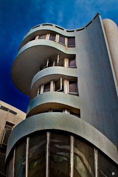 'Bauhaus' in tel aviv I love these curves