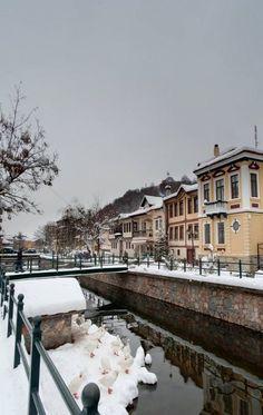 Winter scene in beautiful Florina, Macedonia, Greece Greece Map, Greece Travel, Santorini Villas, Myconos, Macedonia Greece, National Road, Thessaloniki, Winter Scenes, Greek Islands