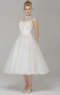31+ A Line Wedding Dresses Under 500, Popular Inspiraton! Wedding Dresses Under 500, Modest Wedding Dresses, Tulle Wedding, Dream Wedding, Wedding Skirt, Fantasy Wedding, Tea Length Wedding Dress, Tulle Dress, Satin Tulle