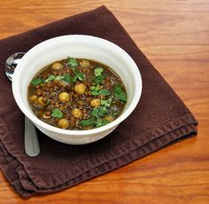 Recipe for slow cooker vegan lentil and chickpea soup
