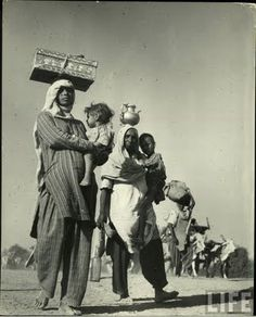 Mass Migration During Independence Of India In 1947 These Photographs Taken The Period