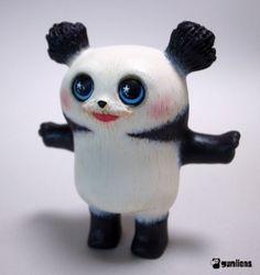 Gumliens resin panda