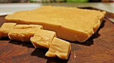 Opskrift og guide til at lave fudge og tilsætte forskellige smagsvarianter fx lakrids.