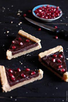 Pomegranate and Chocolate Shortbread Tart | urbanbakes.com