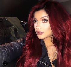 30 Red Hair Color Ideas in - Beauty Tips Pretty Hair Color, Beautiful Red Hair, Hair Color And Cut, Deep Red Hair Color, Face Shape Hairstyles, Box Braids Hairstyles, Pretty Hairstyles, Peinados Pin Up, Dyed Red Hair