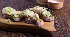 Nostalgická, aromatická asilne návyková drožďovka. Baked Potato, Potatoes, Baking, Ethnic Recipes, Fit, Shape, Potato, Bakken, Backen