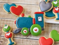 LilaLoa: Decorated Train Valentine's Day Cookies