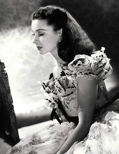 mademoisellelapiquante: Vivien Leigh as Scarlett OHara in...