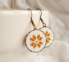 I really need to bring back my elementary school hobby of cross stitching :)