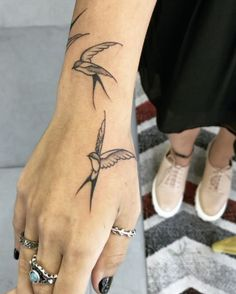 delicate wrist tattoos for your upcoming ink session 12 ~ thereds. Hand Tattoos, Arrow Tattoos, Finger Tattoos, Body Art Tattoos, Tatoos, Boys With Tattoos, Small Tattoos, Tattoos For Women, Piercing Tattoo