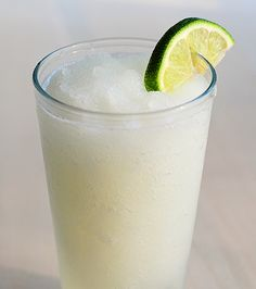 YUM YUM! Frozen Coconut Limeade: ice, coconut rum, frozen limeade concentrate. Add to blender & blend until smooth. Frozen Lemonade, Amy Johnson, Gourmet, Party Drinks, Cocktail Drinks, Malibu Drinks, Fun Drinks, Cocktails, Clock