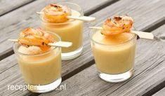 Het mango-peper soepje is een klein en verrassend gerecht. Iedeaal als begin van je tapasavondje!