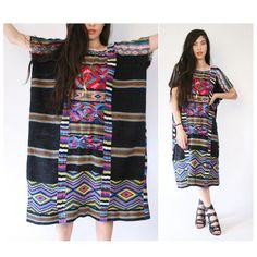 Vintage vestido pesadamente bordado