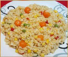 Υλικά 1/2 kg ρύζι ( εγώ παίρνω για σπυρωτό πιλάφι) 1 κρεμμύδι σε κομματάκια 1 σακουλάκι σαλάτα καλαμποκιού 2 κύβους λαχανικών 1-2 κ.σ. βούτυρο Νερό ζεστό περίπου 600-700 gr η όσο πάρει..... Σοτάρω το κρεμμύδι σε ελαιόλαδο μέχρι να γίνει διάφανο. Ρίχνω τα Greek Recipes, Vegan Recipes, Chicken Carbonara Recipe, The Kitchen Food Network, Oven Chicken Recipes, How To Cook Rice, Cooking Time, Fried Rice, Food Network Recipes