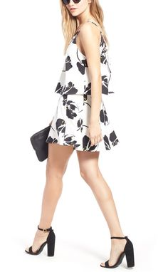 Adoring this white and black floral set from Lush! Perfect for warm night outings.