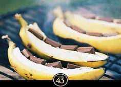 Grilled Banana Boats - Recipes - Sprouts Farmers Market I'm going to try this with my favorite dark chocolate. Grilling Recipes, Cooking Recipes, Banana Boats, Grilled Bananas, Best Cookbooks, Sprout Recipes, Bbq Party, Köstliche Desserts, Dessert Recipes