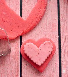 Homemade Glitter Playdough Recipe: how to make !