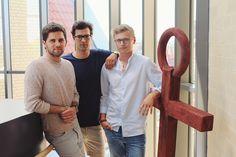Drei Studenten aus Münster bringen eine Armbanduhr auf den Markt. Instagram-Stars machen das Produkt zum Must-Have – und die Gründer erfolgreich.