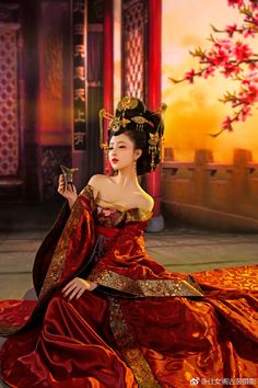 Asian Lady in Red Orange Style Oriental, Oriental Fashion, Asian Fashion, Hanfu, Traditional Fashion, Traditional Dresses, Asian Style, Chinese Style, Red Chinese Dress