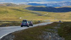 Driving in Norway? We have compiled various car routes to help plan your holiday in Norway.