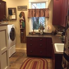 Gorgeous Primitive Laundry Room 50 Best Design And Decor Ideas 031 Primitive Laundry Rooms, Primitive Bathrooms, Primitive Homes, Primitive Country, Primitive Bedroom, Primitive Antiques, Laundry Room Bathroom, Laundry Room Storage, Laundry Room Design