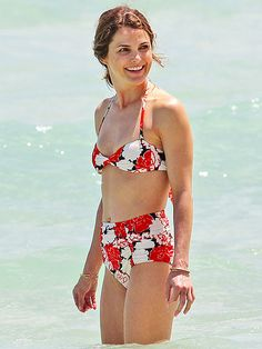 Star Tracks: Thursday, April 9, 2015 | BIKINI BABE | Keri Russell shows off her flawless figure on Monday while vacationing in Florida with her family.