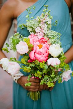 peony and tulip bouquet by jmflora design and photography by marvelous things photography