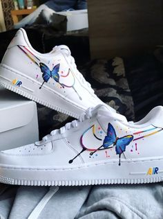 Shop custom sneakers and see behind the scenes footage by officialcreparchitect on THE CUSTOM MOVEMENT Sneakers Fashion, Fashion Shoes, Fashion Fashion, Runway Fashion, Fashion Trends, Custom Painted Shoes, Nike Custom Shoes, Custom Sneakers, Painted Sneakers