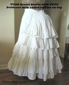 Grand Bustle This bustle is perfect for 1869 to 1875 styles! Add ruffles over each bone and at the bottom and you have your first petticoat layer attached. ;-) This petticoat bustle is based on an act