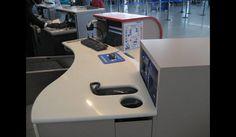 Comptoir d'enregistrement PHMR, Aéroport Roissy CDG © Archibald