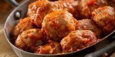 There's nothing better than coming home to the smell of dinner that's been slowly cooking all day. Come home to these slow cooker turkey meatballs tonight.