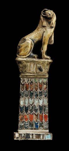Pendant with Ram-headed sphinx, gilt siver, lapis lazuli and glass. El-kurru, Nubia (Sudan). 743-712B.C. [Museum of Fine Arts - Boston]