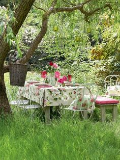 In the garden.. I have been wanting to have a garden lunch, using my antique and vintage plates and accessories.