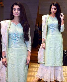 Asian Fashion, Girl Fashion, Fashion Outfits, India Fashion, Fasion, Pakistani Outfits, Indian Outfits, Cotton Dresses, Cute Dresses