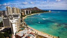 Waikiki Beach in Oahu - honeymoon site. Hawaii Vacation, Hawaii Travel, Dream Vacations, Vacation Spots, Hawaii Tourism, Hawaii Honeymoon, Hawaii Trips, Vacation Packages, Family Vacations