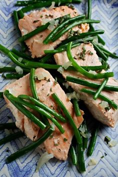 Slow-Cooker Salmon With Shallot and Green Beans Recipe Details | Recipe database | washingtonpost.com