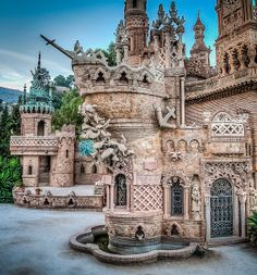 Beautiful Castles, Beautiful Buildings, Beautiful Places, Places To Travel, Places To See, Places Around The World, Around The Worlds, Cathedral Architecture, Fantasy Castle