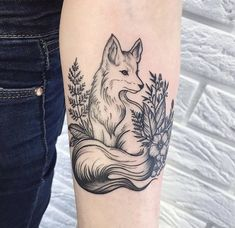 46 Adorable Fox Tattoo Designs and Ideas Foxes are extremely adorable creatures and people choose to ink their portraits mostly for their c. Trendy Tattoos, Unique Tattoos, Beautiful Tattoos, New Tattoos, Body Art Tattoos, Sleeve Tattoos, Tattoos For Guys, Cool Tattoos, Forearm Tattoos For Women