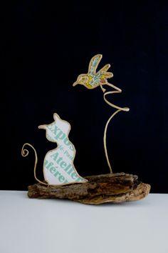 Love the bird Cat Crafts, Wire Crafts, Arts And Crafts, Sculptures Sur Fil, Copper Wire Art, Wire Art Sculpture, Cool Paper Crafts, Craft Club, Wire Weaving
