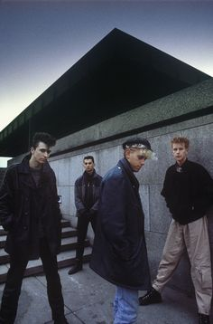Depeche Mode. Saw DM in '87 and then again in '88. Then, I guess, they got too popular for me? ;-)