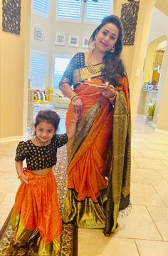 Adorable Mothers and Daughters Matching Outfit Ideas - Indian Fashion Ideas Mom Daughter Matching Outfits, Mommy Daughter Dresses, Mom And Baby Dresses, Mother Daughter Fashion, Baby Girl Dress Patterns, Mom Dress, Dresses Kids Girl, Girl Outfits, Dress Girl