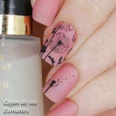 Dandelion nail art Uñas con diente de leon - Tatuajes de agua o decals Fabulous Nails, Gorgeous Nails, Pretty Nails, Get Nails, Hair And Nails, Dandelion Nail Art, Sassy Nails, Flower Nail Art, Finger